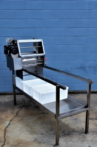 Uncapper  Stand with Draining Tray